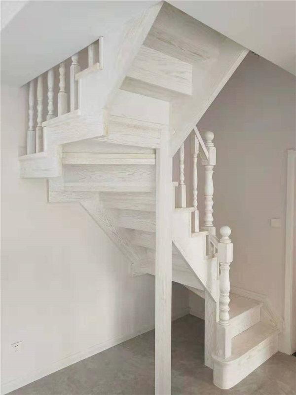 实木楼梯在市场上的发展趋势
