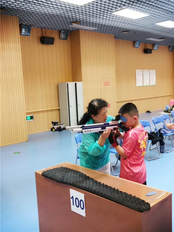 儿童射击培训