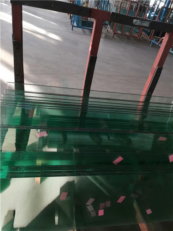 夾膠防火玻璃