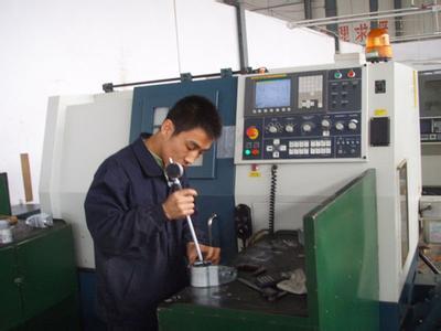 天津鼎立機械加工人員