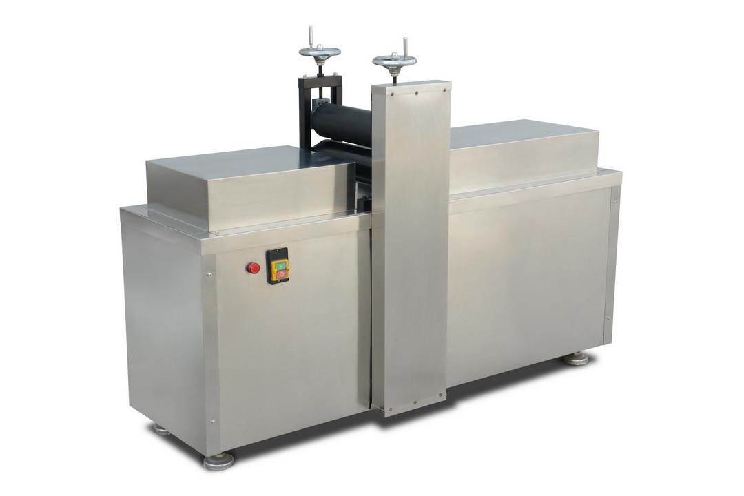 膏藥機系列—RK-1-500異形膏貼滾切機