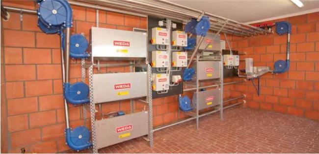 6條輸送管線的干料飼喂系統控制中心.jpg